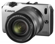 Canon EOS M + 18-55 mm IS STM